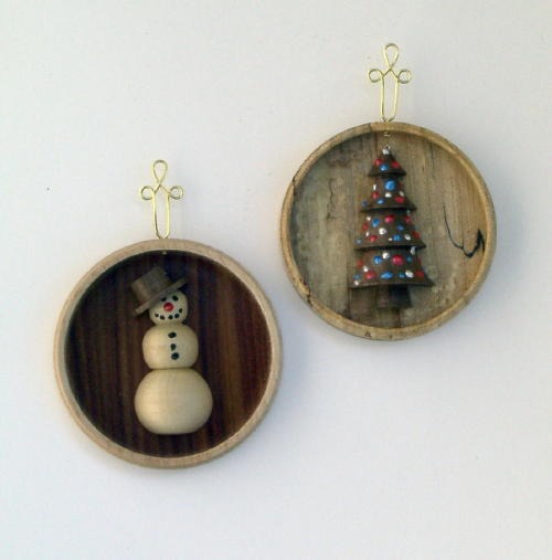 woodturning christmas ornaments. the finished ornaments. woodturning christmas ornaments s